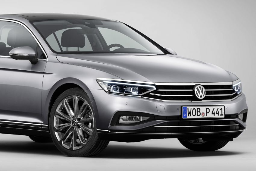 B8 Volkswagen Passat facelift revealed – new MIB3 infotainment and IQ.Drive assistance systems Image #919074