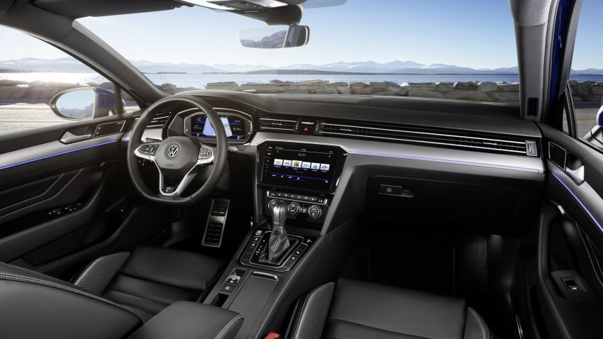 B8 Volkswagen Passat facelift revealed – new MIB3 infotainment and IQ.Drive assistance systems Image #919104