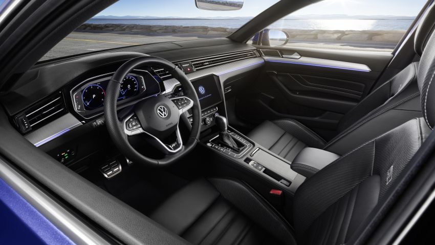 B8 Volkswagen Passat facelift revealed – new MIB3 infotainment and IQ.Drive assistance systems Image #919106
