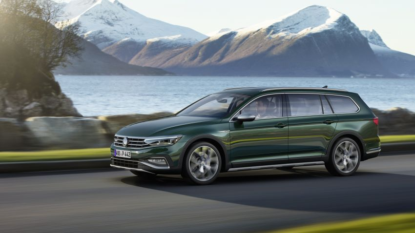 B8 Volkswagen Passat facelift revealed – new MIB3 infotainment and IQ.Drive assistance systems Image #919110