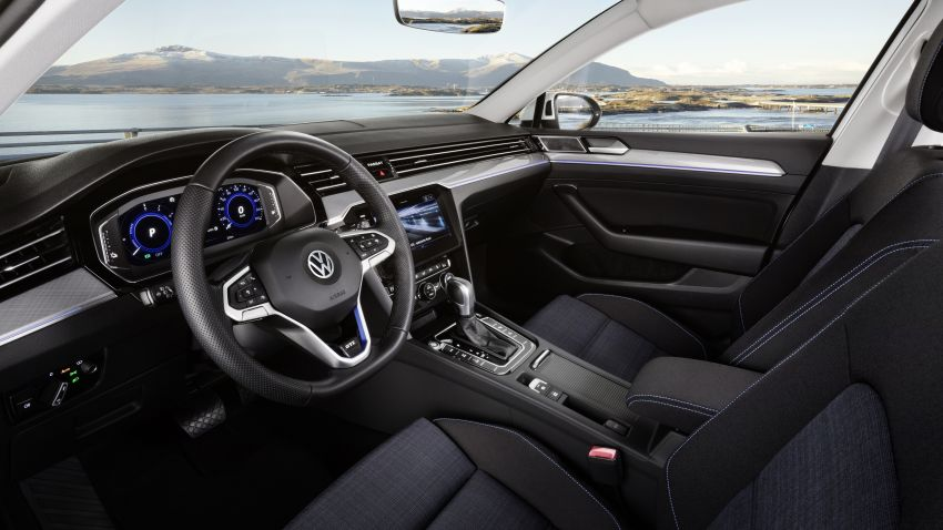 B8 Volkswagen Passat facelift revealed – new MIB3 infotainment and IQ.Drive assistance systems Image #919153