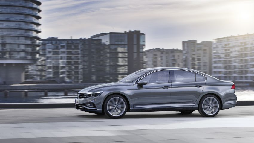 B8 Volkswagen Passat facelift revealed – new MIB3 infotainment and IQ.Drive assistance systems Image #919159