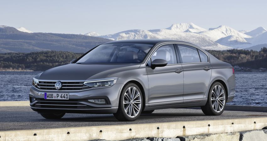 B8 Volkswagen Passat facelift revealed – new MIB3 infotainment and IQ.Drive assistance systems Image #919161