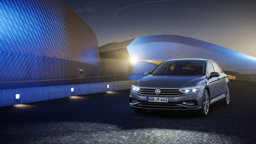 B8 Volkswagen Passat facelift revealed – new MIB3 infotainment and IQ.Drive assistance systems Image #919167