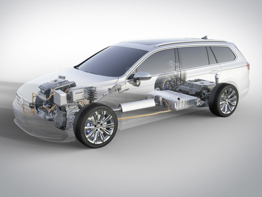 B8 Volkswagen Passat facelift revealed – new MIB3 infotainment and IQ.Drive assistance systems Image #919174