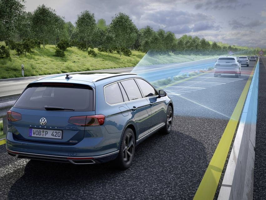 B8 Volkswagen Passat facelift revealed – new MIB3 infotainment and IQ.Drive assistance systems Image #919190