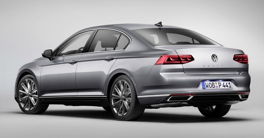 B8 Volkswagen Passat facelift revealed – new MIB3 infotainment and IQ.Drive assistance systems Image #919071