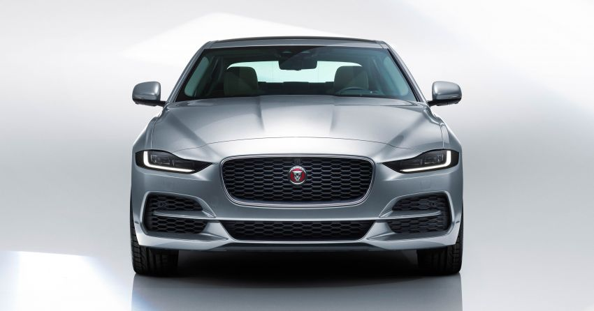 Jaguar XE facelift unveiled with updated styling, tech Image #927293