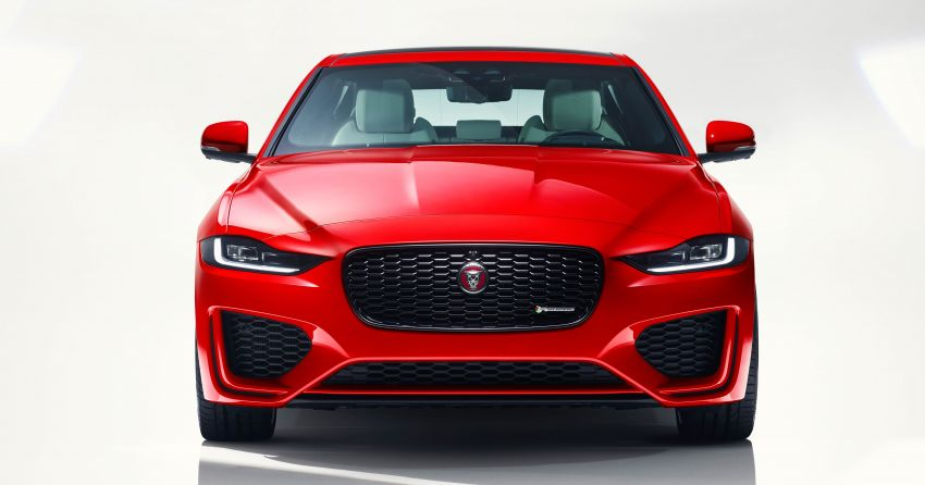 Jaguar XE facelift unveiled with updated styling, tech Image #927284