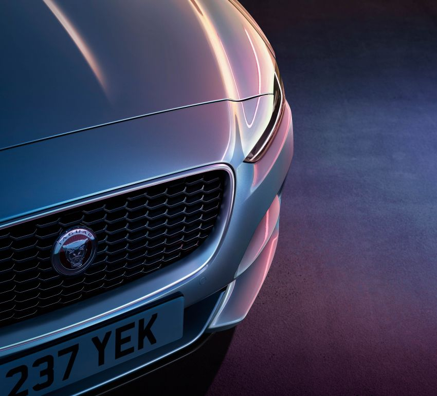Jaguar XE facelift unveiled with updated styling, tech Image #927321