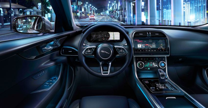 Jaguar XE facelift unveiled with updated styling, tech Image #927325