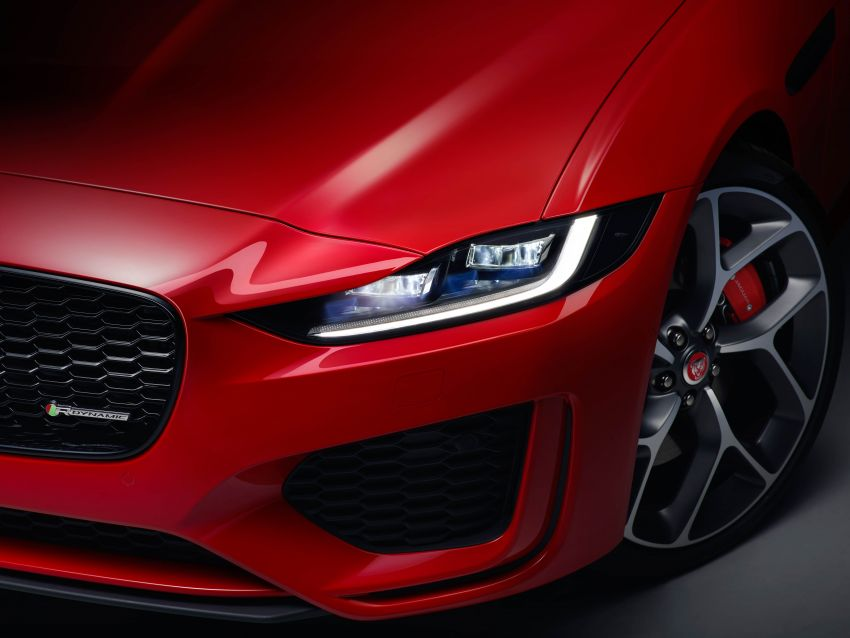 Jaguar XE facelift unveiled with updated styling, tech Image #927288