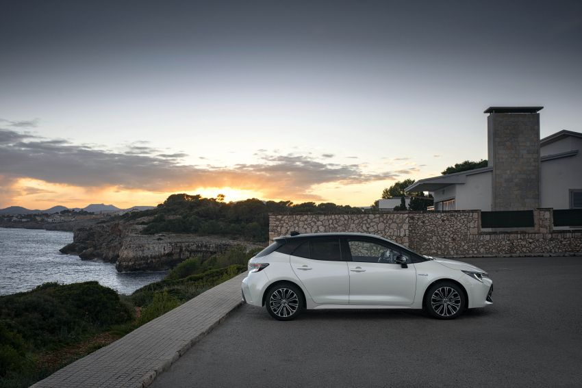 GALLERY: 2019 Toyota Corolla detailed for Europe – three body styles; four powertrains, including hybrids Image #926192