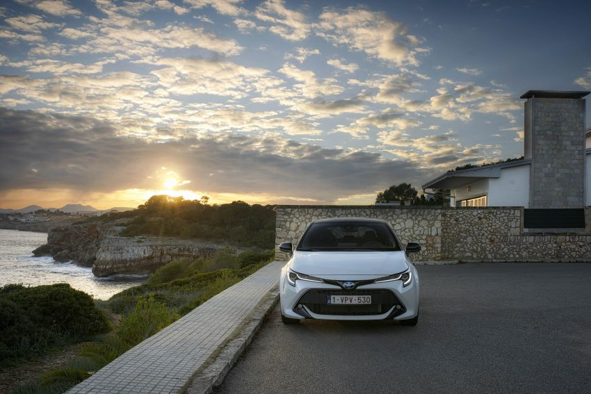 GALLERY: 2019 Toyota Corolla detailed for Europe – three body styles; four powertrains, including hybrids Image #926196