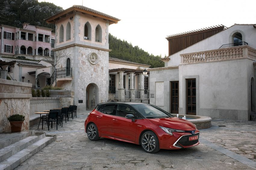 GALLERY: 2019 Toyota Corolla detailed for Europe – three body styles; four powertrains, including hybrids Image #926188