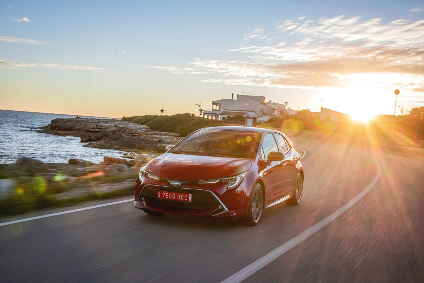 GALLERY: 2019 Toyota Corolla detailed for Europe – three body styles; four powertrains, including hybrids Image #926350