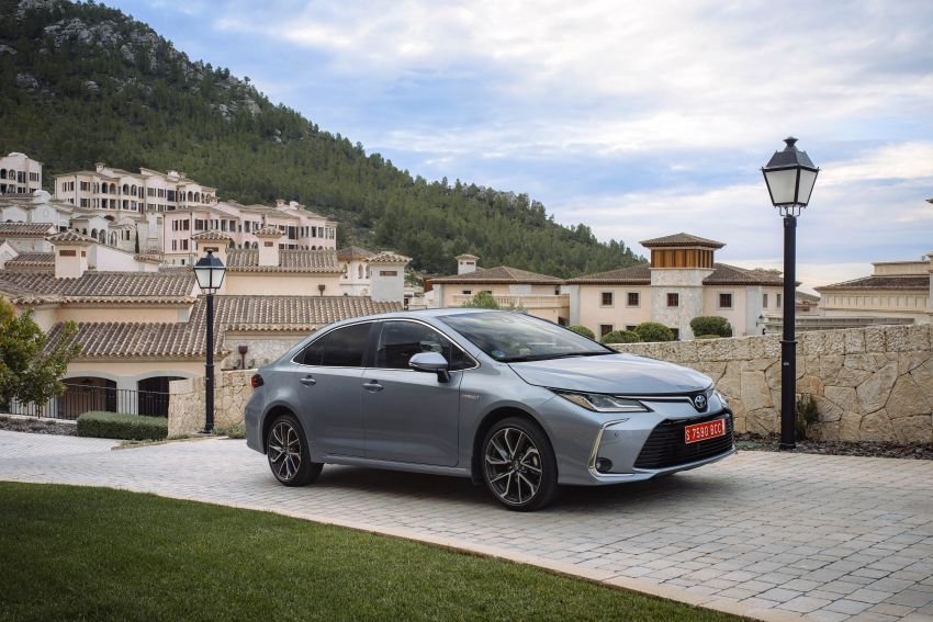 GALLERY: 2019 Toyota Corolla detailed for Europe – three body styles; four powertrains, including hybrids Image #926187