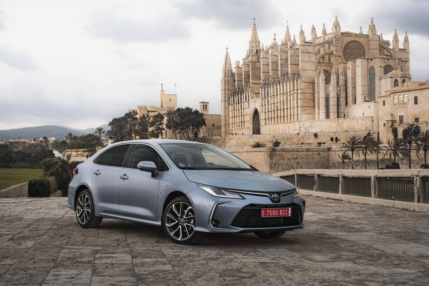 GALLERY: 2019 Toyota Corolla detailed for Europe – three body styles; four powertrains, including hybrids Image #926190