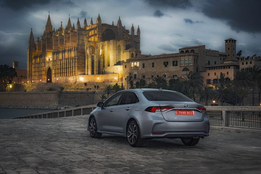 GALLERY: 2019 Toyota Corolla detailed for Europe – three body styles; four powertrains, including hybrids Image #926193