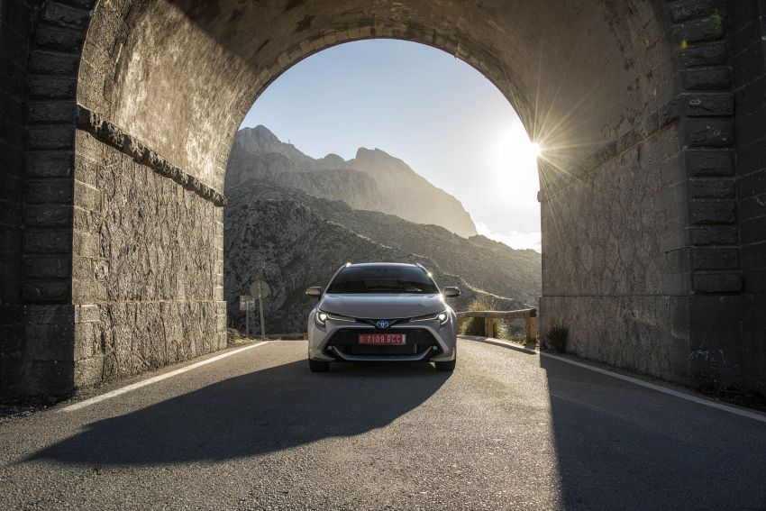 GALLERY: 2019 Toyota Corolla detailed for Europe – three body styles; four powertrains, including hybrids Image #926248