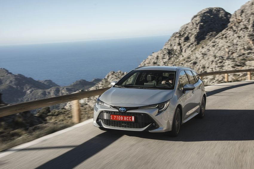 GALLERY: 2019 Toyota Corolla detailed for Europe – three body styles; four powertrains, including hybrids Image #926294