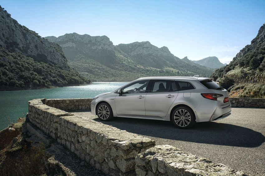 GALLERY: 2019 Toyota Corolla detailed for Europe – three body styles; four powertrains, including hybrids Image #926200