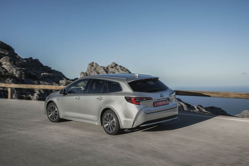 GALLERY: 2019 Toyota Corolla detailed for Europe – three body styles; four powertrains, including hybrids Image #926359
