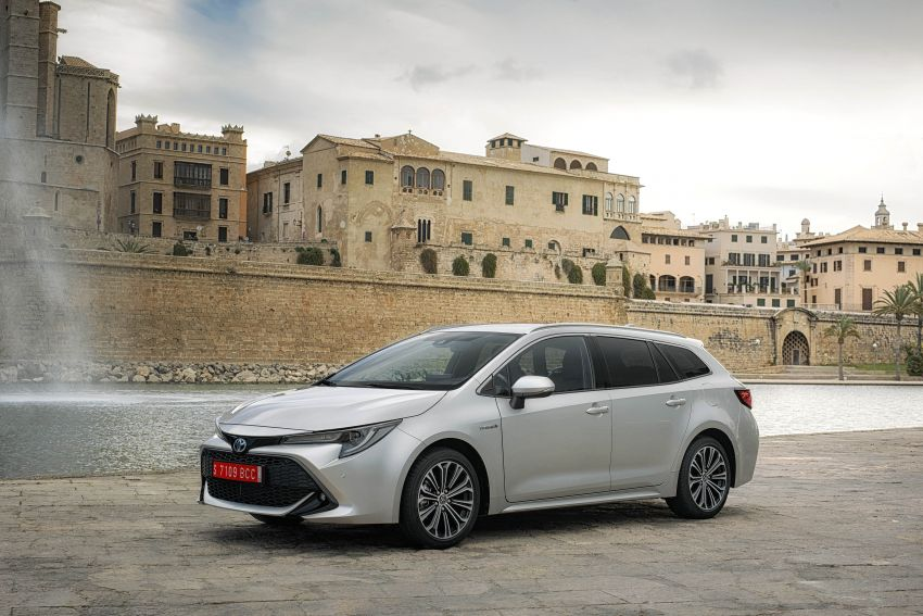 GALLERY: 2019 Toyota Corolla detailed for Europe – three body styles; four powertrains, including hybrids Image #926212
