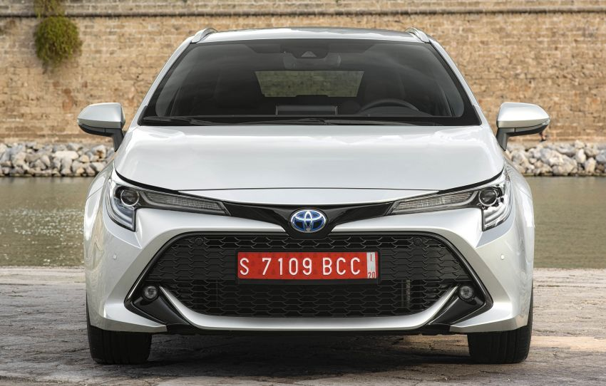 GALLERY: 2019 Toyota Corolla detailed for Europe – three body styles; four powertrains, including hybrids Image #926235