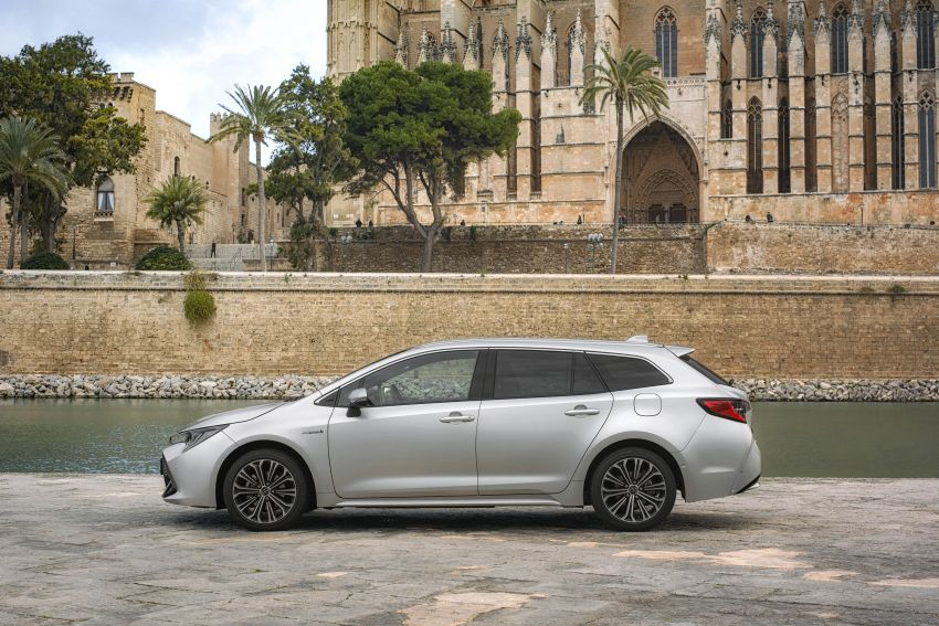 GALLERY: 2019 Toyota Corolla detailed for Europe – three body styles; four powertrains, including hybrids Image #926242