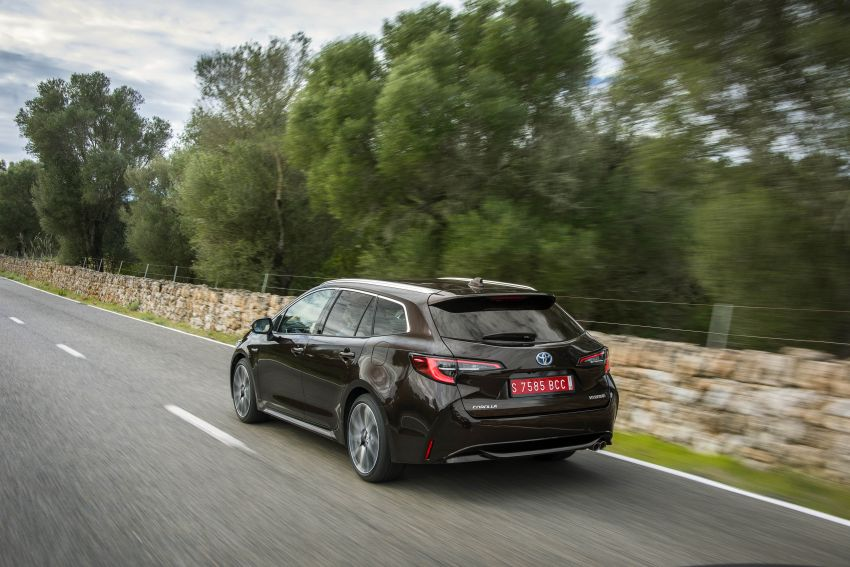 GALLERY: 2019 Toyota Corolla detailed for Europe – three body styles; four powertrains, including hybrids Image #926215