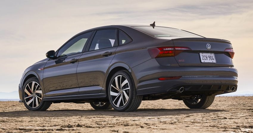 2019 Volkswagen Jetta GLI debuts in Chicago – 228 hp from the Golf GTI, six-speed manual, LSD standard Image #919769