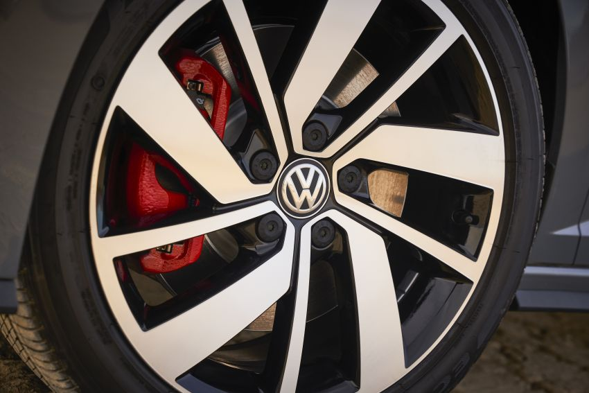 2019 Volkswagen Jetta GLI debuts in Chicago – 228 hp from the Golf GTI, six-speed manual, LSD standard Image #919777