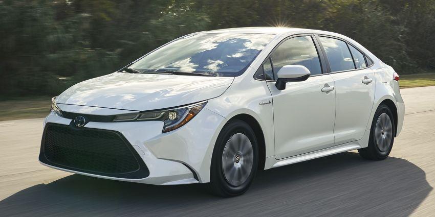 Toyota Prius C bersara, digantikan Corolla Hybrid? Image #923967