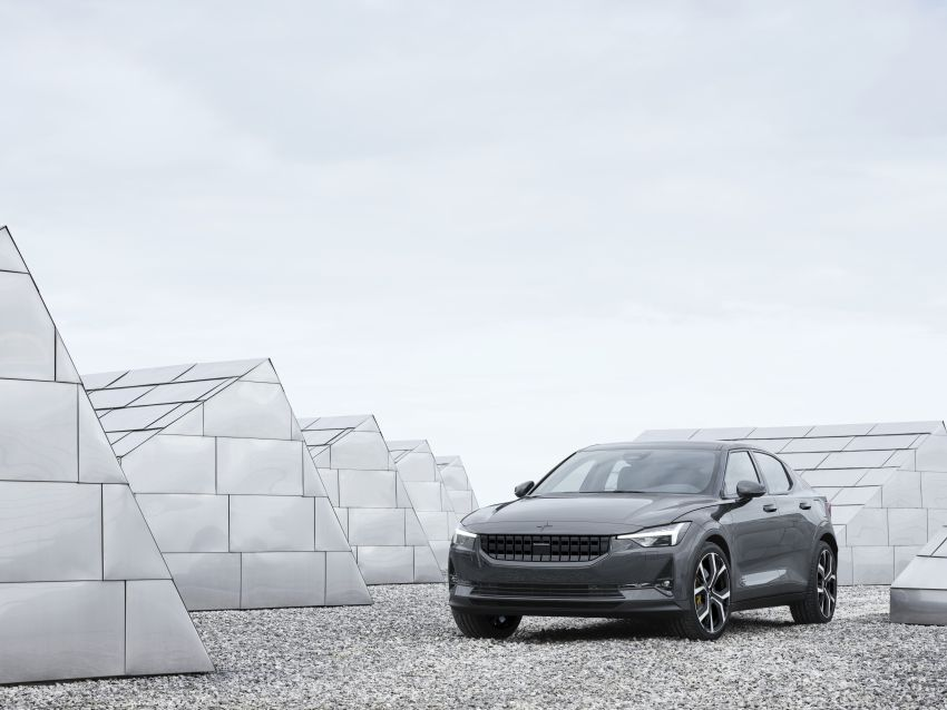 Polestar 2 revealed – production Volvo 40.2 is all-electric with 408 hp, 660 Nm and 500 km of range Image #927581