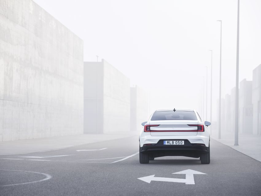 Polestar 2 revealed – production Volvo 40.2 is all-electric with 408 hp, 660 Nm and 500 km of range Image #927584