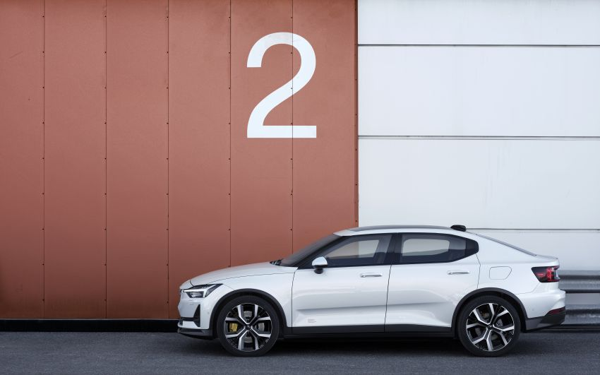 Polestar 2 revealed – production Volvo 40.2 is all-electric with 408 hp, 660 Nm and 500 km of range Image #927589