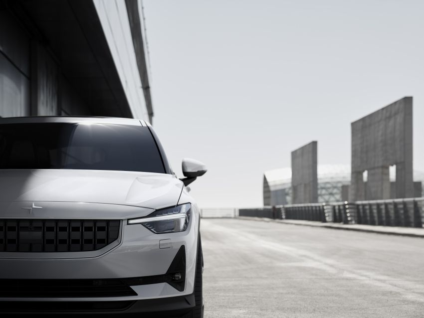 Polestar 2 revealed – production Volvo 40.2 is all-electric with 408 hp, 660 Nm and 500 km of range Image #927595
