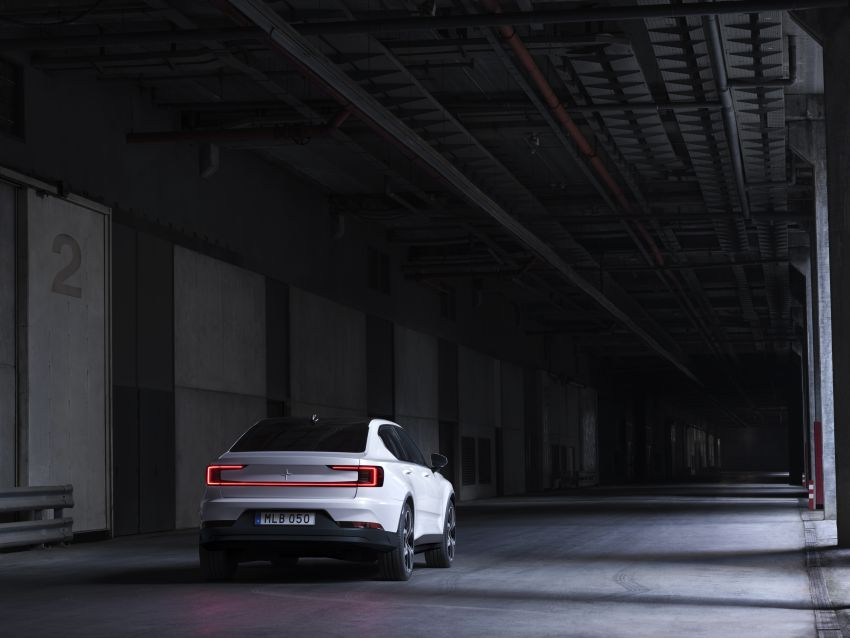 Polestar 2 revealed – production Volvo 40.2 is all-electric with 408 hp, 660 Nm and 500 km of range Image #927599