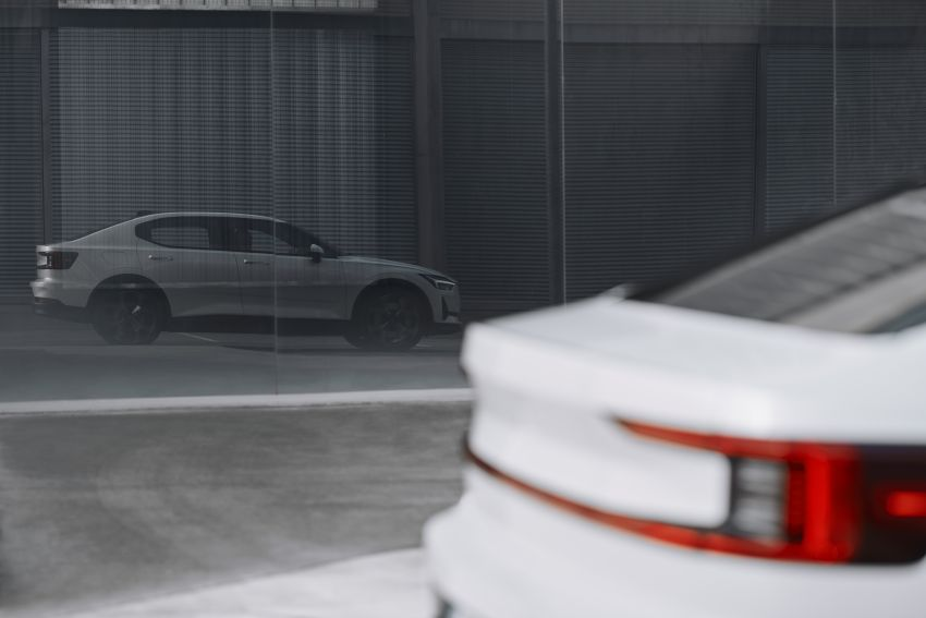 Polestar 2 revealed – production Volvo 40.2 is all-electric with 408 hp, 660 Nm and 500 km of range Image #927600