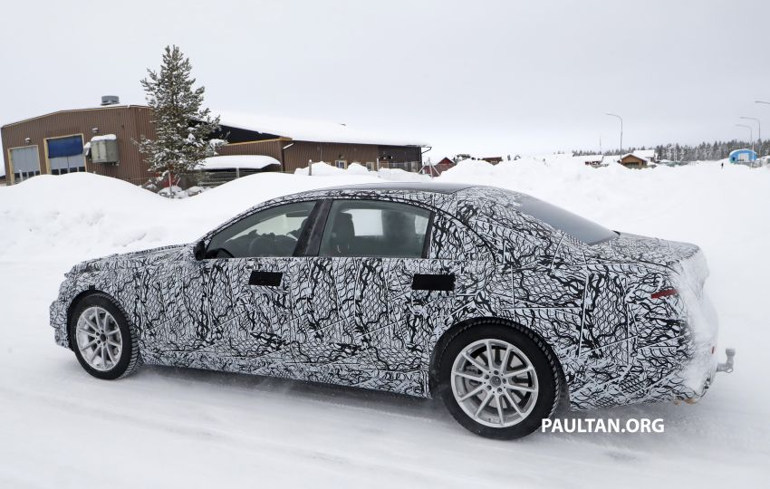 SPYSHOTS: W223 Mercedes-Benz S-Class spotted testing again – interior reveals large touchscreen Image #922690