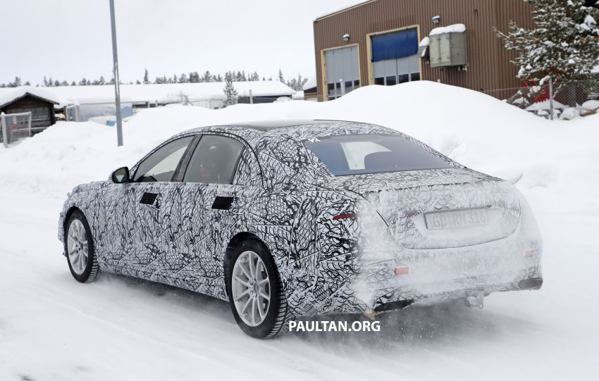 SPYSHOTS: W223 Mercedes-Benz S-Class spotted testing again – interior reveals large touchscreen Image #922691