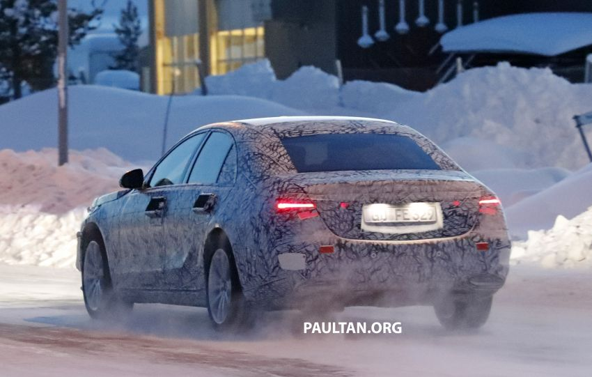 SPYSHOTS: W223 Mercedes-Benz S-Class spotted testing again – interior reveals large touchscreen Image #922701