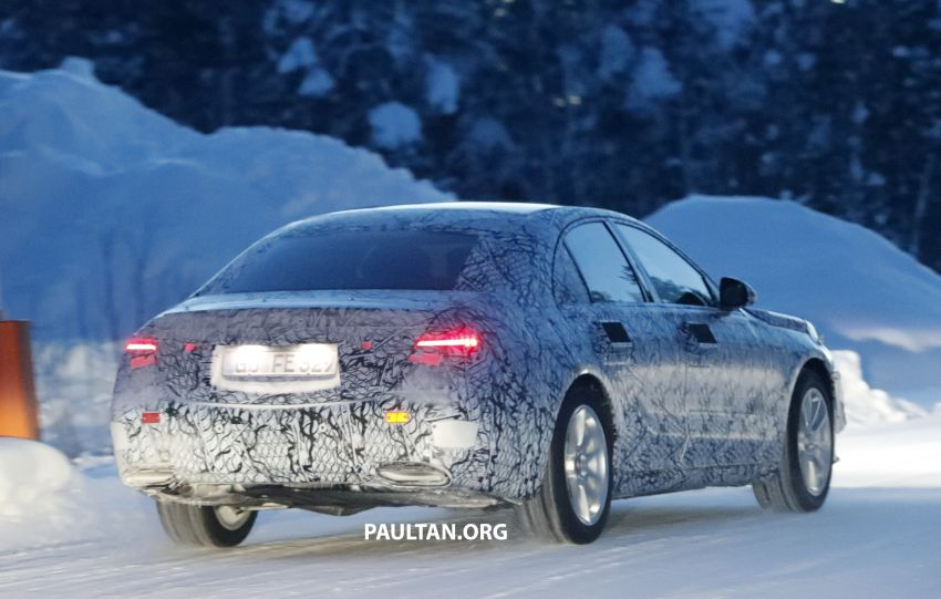 SPYSHOTS: W223 Mercedes-Benz S-Class spotted testing again – interior reveals large touchscreen Image #922704
