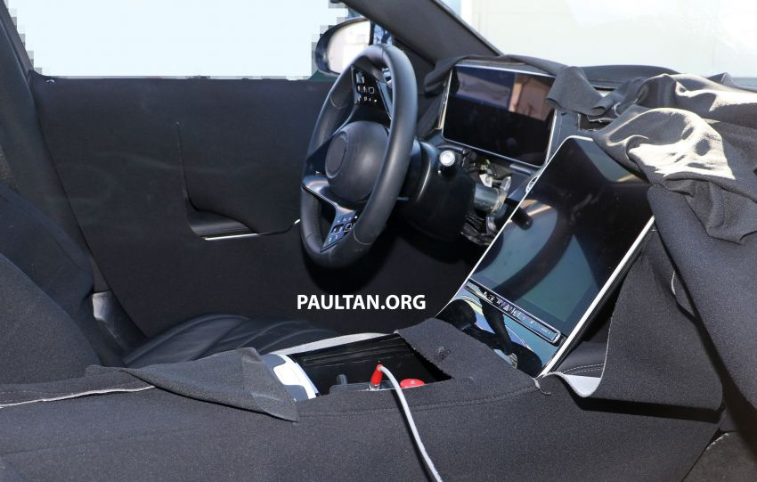 SPYSHOTS: W223 Mercedes-Benz S-Class spotted testing again – interior reveals large touchscreen Image #922706