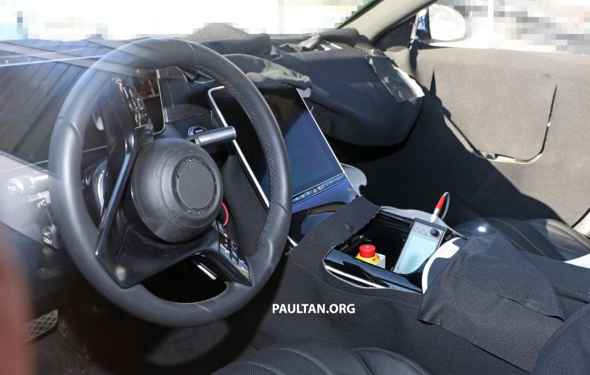 SPYSHOTS: W223 Mercedes-Benz S-Class spotted testing again – interior reveals large touchscreen Image #922710