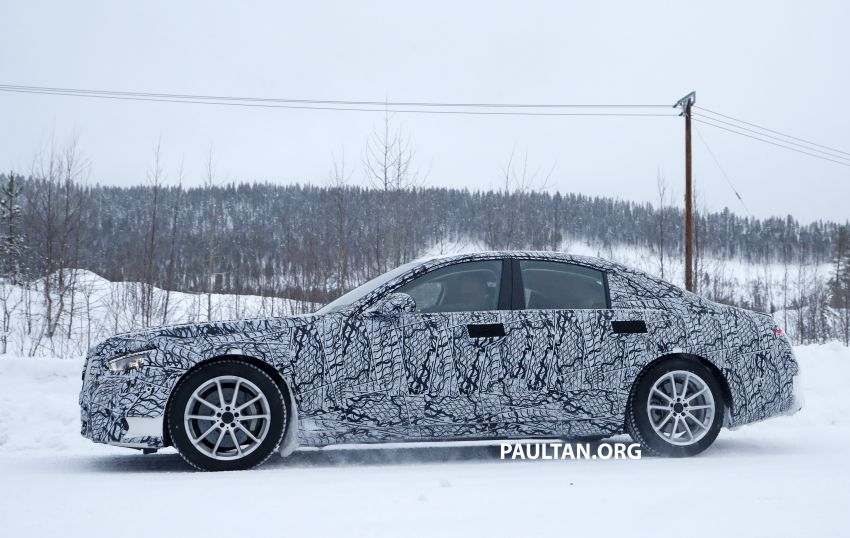 SPYSHOTS: W223 Mercedes-Benz S-Class spotted testing again – interior reveals large touchscreen Image #922679