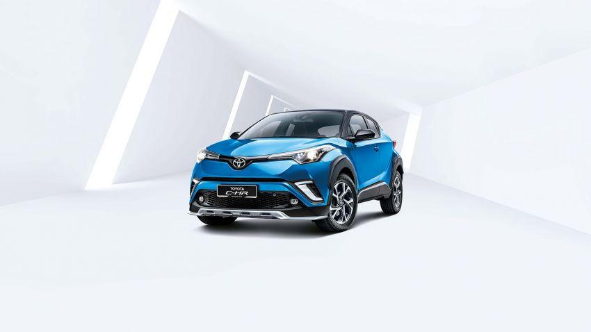 GALLERY: 2019 Toyota C-HR – new wheels, CarPlay Image #928251