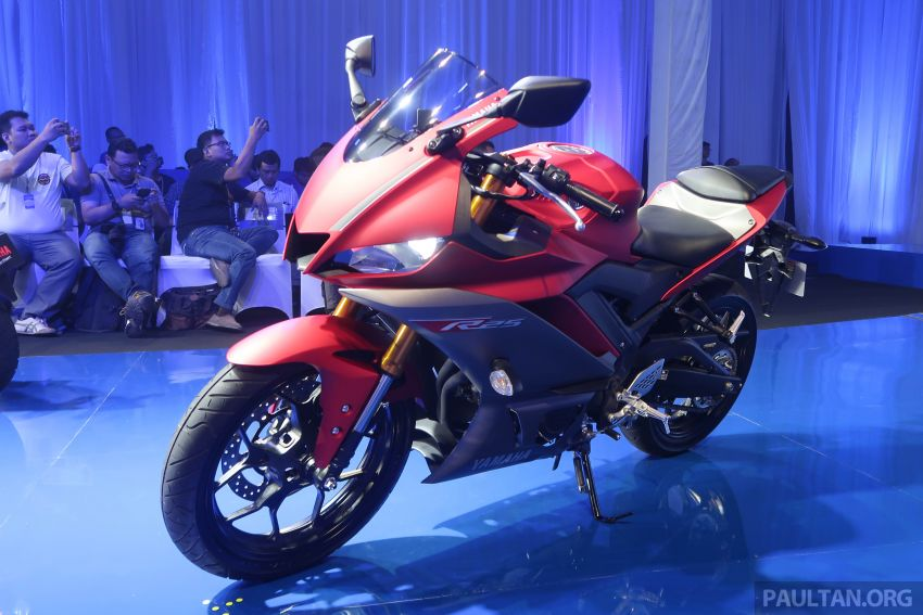 2019 Yamaha YZF-R25 price announced – RM19,998 Image #936488