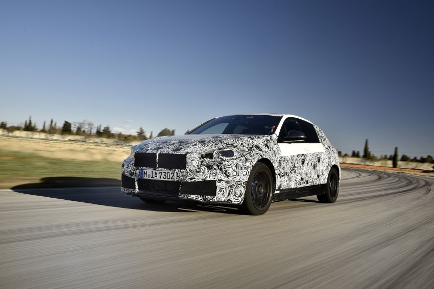F40 BMW 1 Series previewed – front-wheel drive with more interior space, M135i gets 306 hp and AWD Image #939351